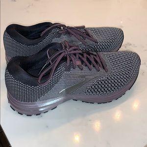 Brooks Revel tennis shoes